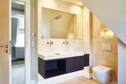 Salle de bains de style  par SALLIER WOHNEN SYLT
