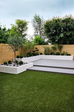 Small, low maintenance garden: minimalistic Garden by Yorkshire Gardens
