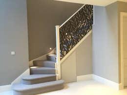 Projekty,  Korytarz, przedpokój i schody zaprojektowane przez miles and lincoln