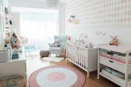 Stoel Voor Babykamer : Witte stoel babykamer best servicolor kuipstoel babykamer