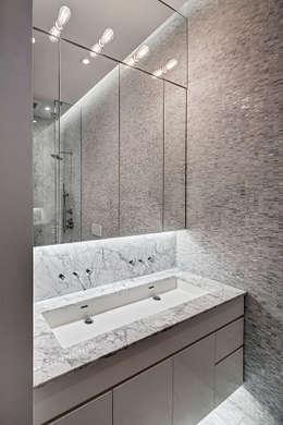 Master Bathroom: modern Bathroom by Lilian H. Weinreich Architects
