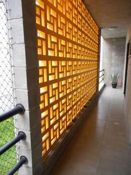 ระเบียง, นอกชาน by Metamorfose Arquitetura e Urbanismo