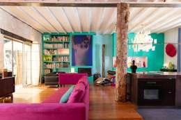 Loft dans un ancien entrepôt de matelas: Salon de style de style Moderne par Agence d'architecture intérieure Laurence Faure