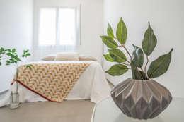 modern Bedroom تنفيذ Mirna.C Homestaging