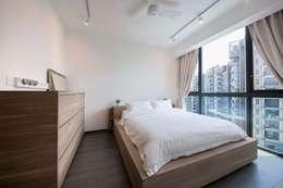 scandinavische Slaapkamer door Eightytwo Pte Ltd