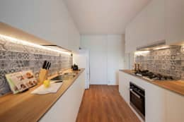 minimalistic Kitchen by Eightytwo Pte Ltd