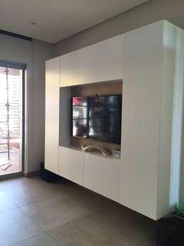 غرفة الميديا تنفيذ Margaret Berichon Design