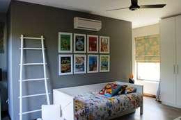 Simbithi Eco Estate 2: classic Nursery/kid's room by Margaret Berichon Design