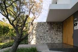 Casas de estilo moderno por Trama Arquitectos
