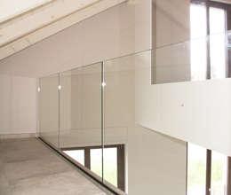 Projekty,  Domowe biuro i gabinet zaprojektowane przez Fabio Ricchezza architetto