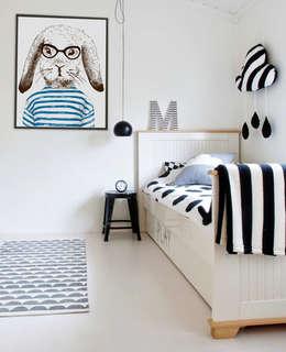 modern Nursery/kid's room by Pixers