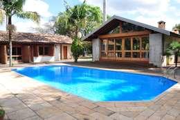 Terrazas de estilo  de canatelli arquitetura e design