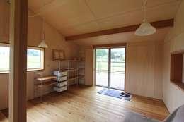 Dormitorios infantiles  de estilo  por 藤松建築設計室