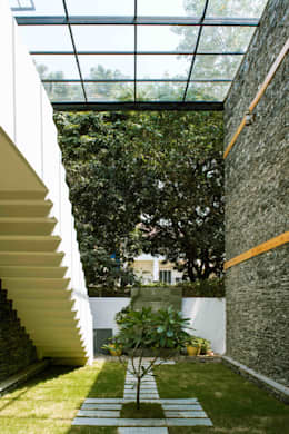 country Garden by Manuj Agarwal Architects