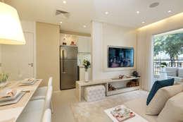 minimalistic Living room by Chris Silveira & Arquitetos Associados