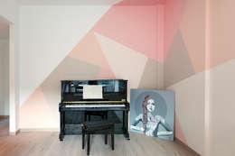 Salas de estilo moderno por moovdesign