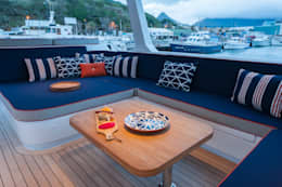 Upper deck chill out area: mediterranean Yachts & jets by ONNAH DESIGN