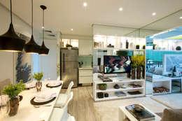 Phòng khách by Chris Silveira & Arquitetos Associados