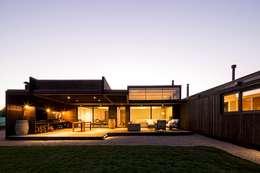 Projekty, nowoczesne Domy zaprojektowane przez SUN Arquitectos