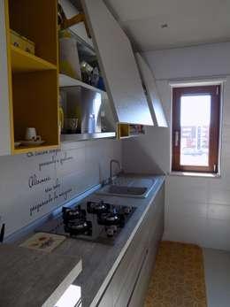 Cocina de estilo  por Cucine e Design