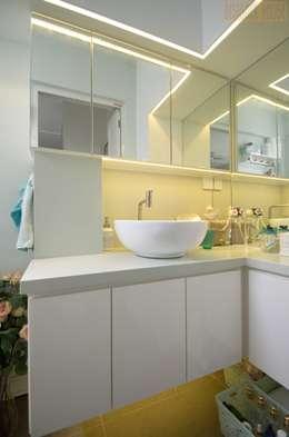Projekty,  Garderoba zaprojektowane przez Designer House