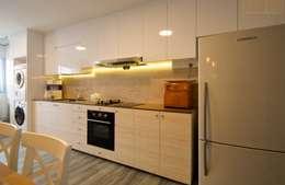 Projekty,  Kuchnia zaprojektowane przez Designer House
