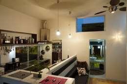 Projekty,  Salon zaprojektowane przez e.co room