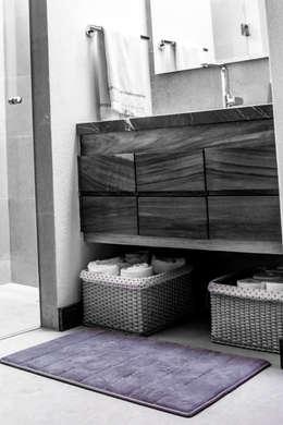 San Angel: Baños de estilo  por 2M Arquitectura