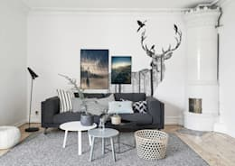 Mysterious Woods: scandinavian Living room by Pixers