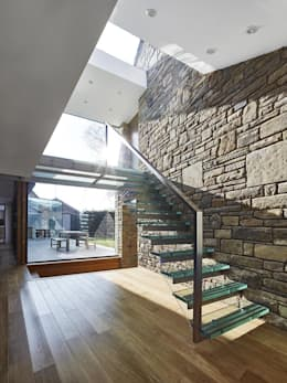 House 141:  Corridor & hallway by Andrew Wallace Architects