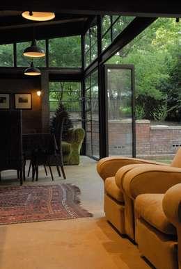 Forest Edge Guest House, Clarens: industrial Living room by Reinier Brönn Architects & Associates
