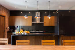 Hogar OV. : Cocinas de estilo moderno por Lozano Arquitectos
