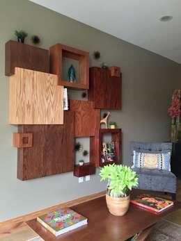 : Salas de estilo ecléctico por Erika Winters® Design