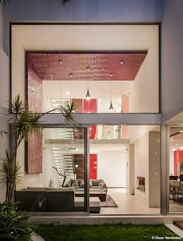 CASA CUBO / CARLO MENESESS:  de estilo  por Oscar Hernández - Fotografía de Arquitectura