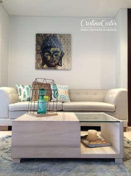 Sala : Salones de estilo  por Cristina Cortés Diseño y Decoración