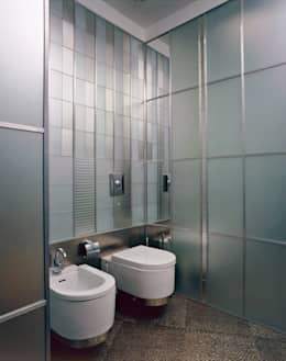 Фото санузла. : Ванные комнаты в . Автор – Архитектурное бюро 'Дом-А'