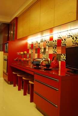 Cocinas de estilo moderno por MOWA ARQUITECTURA