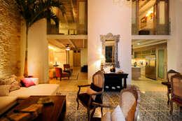 Salas / recibidores de estilo moderno por Ancona + Ancona Arquitectos