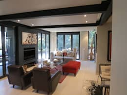 Alterations to existing residence-Bedfordview: modern Living room by Spiro Couyadis Architects