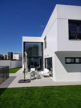 modern Houses by MODULAR HOME