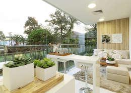 Hiên, sân thượng by Chris Silveira & Arquitetos Associados