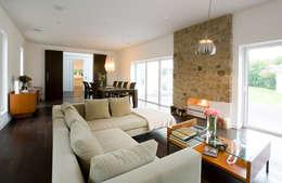 Sala de Inverno: Salas multimédia clássicas por Architect Your Home