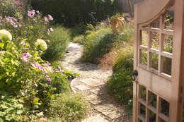 landelijke Tuin door Elks-Smith Landscape and Garden Design