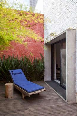 Terrazas de estilo  por ivan ventura arquitetura