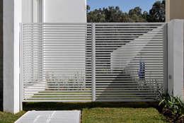 Ventanas de estilo  por Agraz Arquitectos S.C.