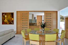 Comedores de estilo moderno por Agraz Arquitectos S.C.