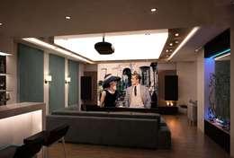 VERO CONCEPT MİMARLIK – İpek Gürel Villa: modern tarz Multimedya Odası