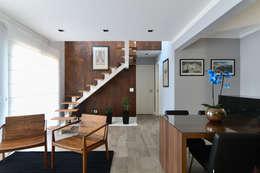 Salas / recibidores de estilo  por RAFAEL SARDINHA ARQUITETURA E INTERIORES