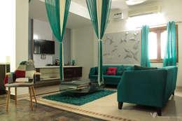 Asfiya Residence: modern Living room by V5 Design Studio