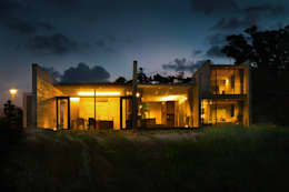 外観/夕景: 株式会社クレールアーキラボが手掛けた家です。